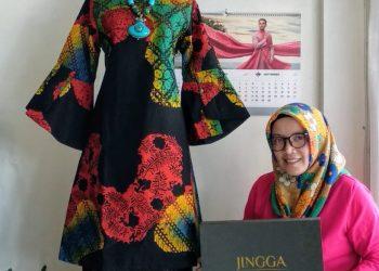 Pemilik Butik Jingga, Endang Nano. IST